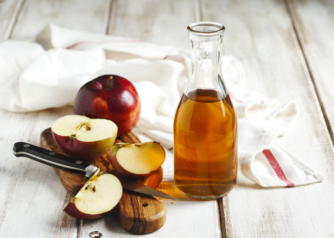 cách trị mụn bằng giấm táo